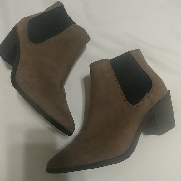1fdd506b03a Ankle boots NWT